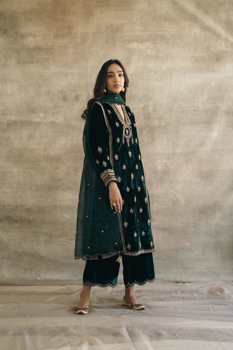Silk Velvet Embroidered Mughal Kurta Set (Bottle Green)